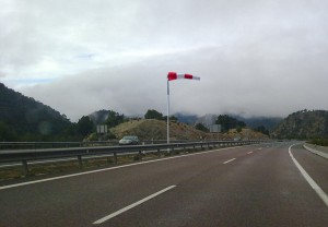 viento carretera caravana 01