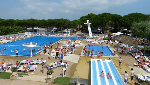 CB014-playa-de-pals-cypsela-campsite-costa-brava-pool-a