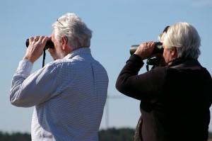 binoculars-2194228__340